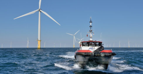 University of Hull welcomes report predicting substantial increase in offshore wind industry jobs and investment of over £60bn